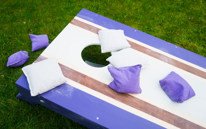 Corn Hole board and bags_800x500