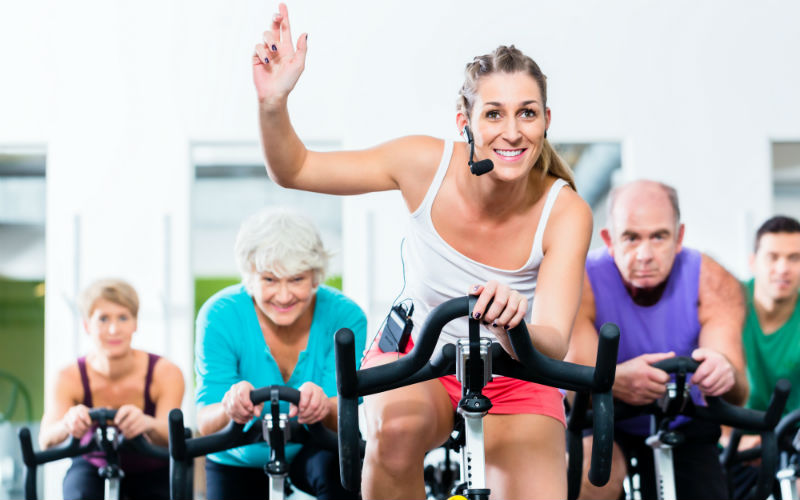 Spin Group Fitness Class_800x500