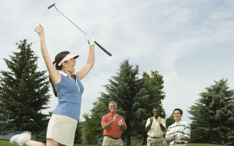 Woman golfer Group People_800x500